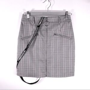PRETTYLITTLETHING GRAY PLAID ZIP MINI SKIRT sz 4